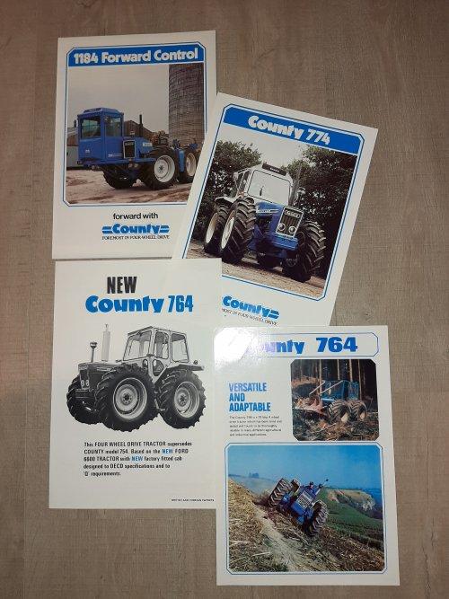 Foto van 4 county folders,meer heb ok er niet van maar je komt ze ook niet zo vaak tegen.deze 4 heb ik 25 jaar geleden gekregen.