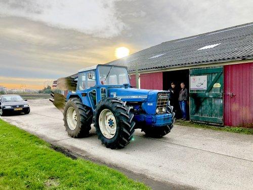 Foto van een County 1164. Ploegje opgehaald voor aankomend weekend. Geplaatst door theovl op 16-11-2019 om 18:17:52, met 30 reacties.