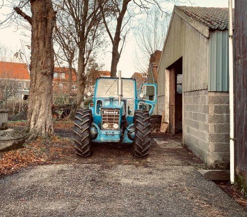 Foto van een County 1164 de county op de oude boerderij. Geplaatst door theovl op 22-11-2020 om 17:20:35, met 2 reacties.