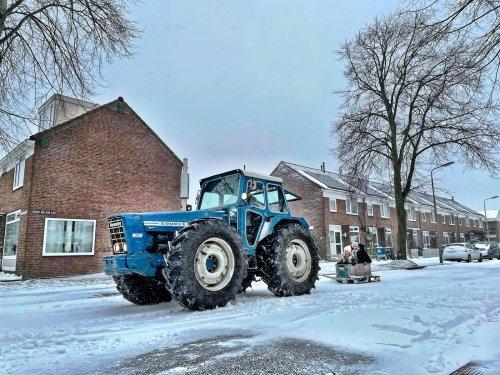 Foto van een County 1164. Beetje sneeuwpret. County weer gemaakt dus sleen maar. Geplaatst door theovl op 07-02-2021 om 18:34:16, met 7 reacties.