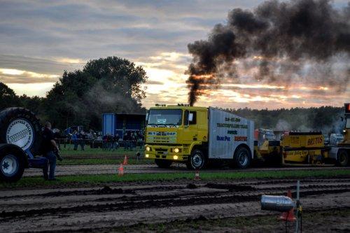 Trekkertrek Veerle Laakdal. Geplaatst door jd7920 op 03-07-2017 om 22:05:53, op TractorFan.nl - de nummer 1 tractor foto website.