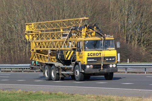 Foto van een DAF 2500, opgebouwd als hijskraan.. Geplaatst door cor-klok op 07-02-2018 om 17:38:48, op TractorFan.nl - de nummer 1 tractor foto website.