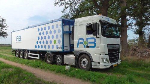 5 september 2018 - Aardappelen transport met de DAF XF 105 vrachtwagen met oplegger. https://youtu.be/7f9S4Y5t-9c