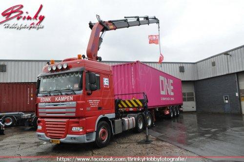 J. Edink Logistiek B.V. (Ijsselmuiden) × op de foto met een DAF XF105, opgebouwd voor containertransport.