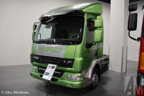 Hier zie je DAF Trucks (Eindhoven) ×, DAF museum (Eindhoven) × met een DAF LF45, opgebouwd zonder opbouw.  https://youtu.be/h_x9u4A6E4k