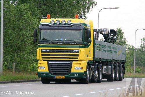 Foto van een DAF XF105, opgebouwd voor steentransport.. Geplaatst door Alex Miedema op 12-05-2014 om 16:58:11, op TractorFan.nl - de nummer 1 tractor foto website.