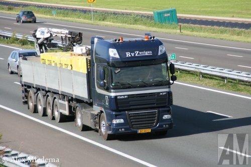 Foto van een DAF XF105, opgebouwd voor steentransport.. Geplaatst door Alex Miedema op 20-06-2014 om 15:48:10, op TractorFan.nl - de nummer 1 tractor foto website.