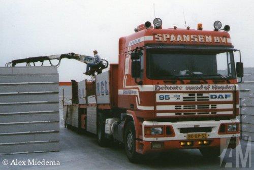 Foto van een DAF 95, opgebouwd voor steentransport.. Geplaatst door Alex Miedema op 27-08-2014 om 12:06:03, op TractorFan.nl - de nummer 1 tractor foto website.