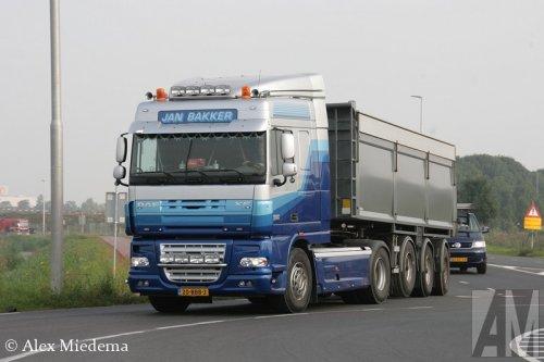 Foto van een DAF XF105, opgebouwd als dumper / kipper.. Geplaatst door Alex Miedema op 16-09-2014 om 13:48:28, op TractorFan.nl - de nummer 1 tractor foto website.