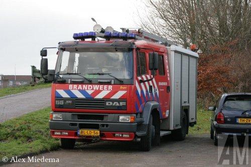 Foto van een DAF 55, opgebouwd als brandweer.. Geplaatst door Alex Miedema op 15-12-2014 om 19:18:28, op TractorFan.nl - de nummer 1 tractor foto website.