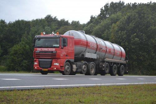 DAF XF105 van truckspotter hgk