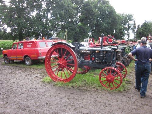 Foto van een Deering F 12 G. Geplaatst door jordi 1455 op 05-11-2017 om 19:40:19, op TractorFan.nl - de nummer 1 tractor foto website.