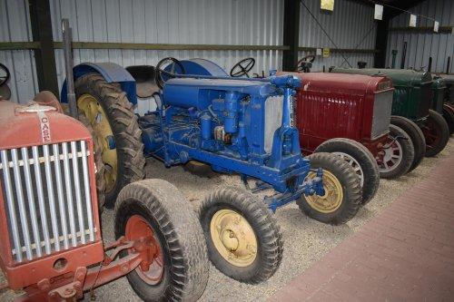 Foto van een Deering F 12 G. Geplaatst door jordi 1455 op 14-06-2019 om 20:07:15, op TractorFan.nl - de nummer 1 tractor foto website.
