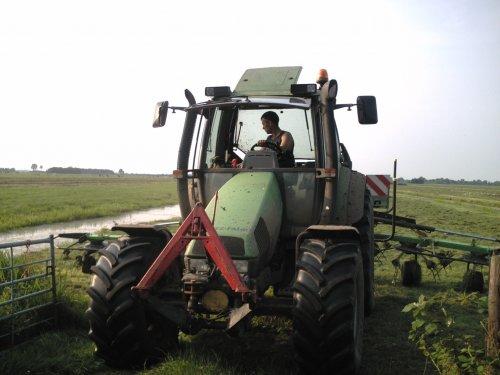 Deutz-Fahr Agrotron 115 van Johndeertjepowerr