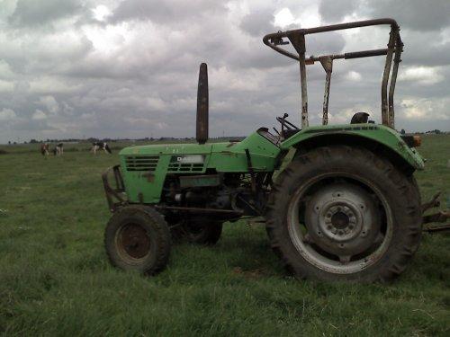 Foto van een Deutz-Fahr D 4506, bezig met poseren. Geplaatst door nh remco op 28-06-2009 om 13:26:07, met 2 reacties.