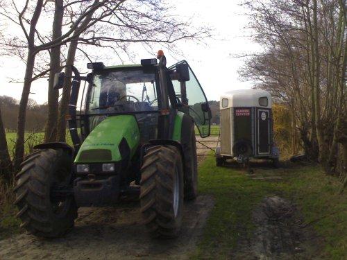AGROTRON van  me stage. Geplaatst door boerjasper op 14-02-2007 om 00:23:24, op TractorFan.nl - de nummer 1 tractor foto website.