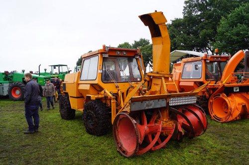 Foto van een Deutz Intrac 2011. Geplaatst door jans-eising op 19-08-2017 om 21:35:34, op TractorFan.nl - de nummer 1 tractor foto website.