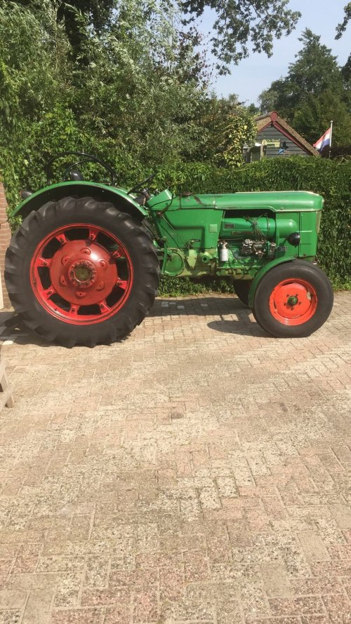 Foto van een Deutz D6005. Geplaatst door de trekker gek op 23-08-2017 om 15:43:35, op TractorFan.nl - de nummer 1 tractor foto website.