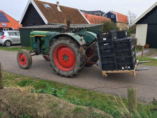 Foto van een Deutz F2L612 met de laatste aardappels van dit jaar. Geplaatst door LG0enga op 18-10-2017 om 20:45:41, op TractorFan.nl - de nummer 1 tractor foto website.