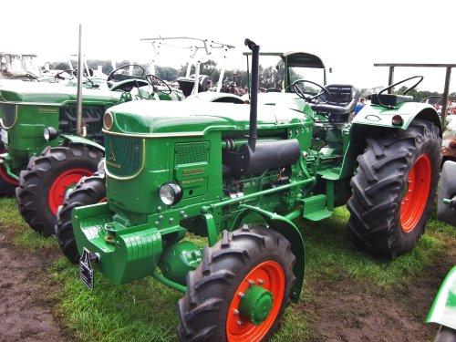 Foto van een Deutz D8005A. Geplaatst door jordi 1455 op 10-12-2017 om 20:23:51, op TractorFan.nl - de nummer 1 tractor foto website.