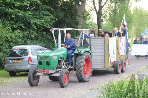 Dit jaar was er een boerenthema bij het dorpsfeest Jelsum-Koarnjum. Meer foto's vanaf morgen op http://www.alexmiedema.nl/2018/06/18/boerenoptocht-dorpsfeest-jelsum-koarnjum/