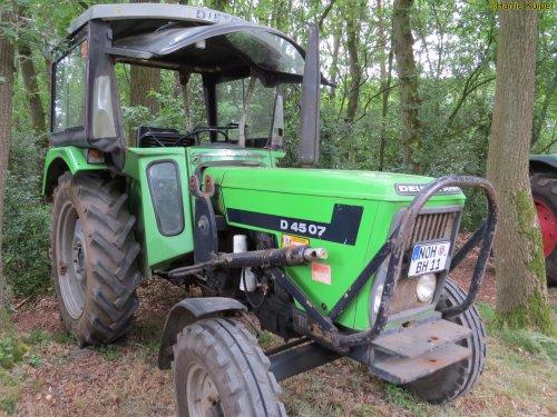 Foto van een Deutz D4507   , oldtimerdag Itterbeck 17-06-2018. Geplaatst door oldtimergek op 18-06-2018 om 14:00:01, op TractorFan.nl - de nummer 1 tractor foto website.