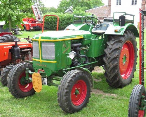 Foto van een Deutz D40U tijdens het oldtimertreffen in Eschweiler über Feld (D) afgelopen weekend.. Geplaatst door Oldtimer-fan op 26-06-2018 om 18:01:28, op TractorFan.nl - de nummer 1 tractor foto website.