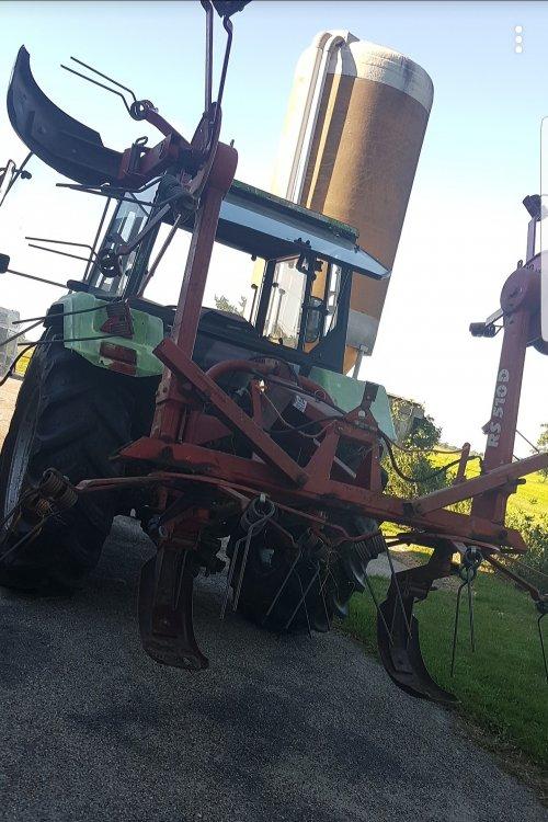 Foto van een Deutz DX 3.10 met vicon rs 510D speeder.. Geplaatst door Hkramer op 02-07-2018 om 23:09:23, op TractorFan.nl - de nummer 1 tractor foto website.