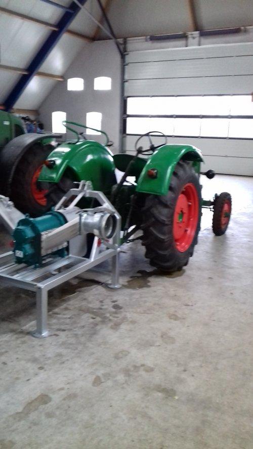 Foto van een Deutz D30. Geplaatst door mennodeutz op 22-02-2019 om 19:21:55, op TractorFan.nl - de nummer 1 tractor foto website.