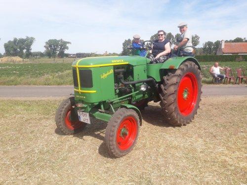 Foto van een Deutz F3L514 vandaag op het oldtimertreffen in Torhout.. Geplaatst door stijn-de-bock op 02-06-2019 om 21:07:55, op TractorFan.nl - de nummer 1 tractor foto website.