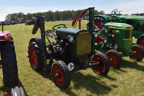 Foto van een Deutz F1M414. Geplaatst door jordi 1455 op 05-07-2019 om 18:14:00, op TractorFan.nl - de nummer 1 tractor foto website.