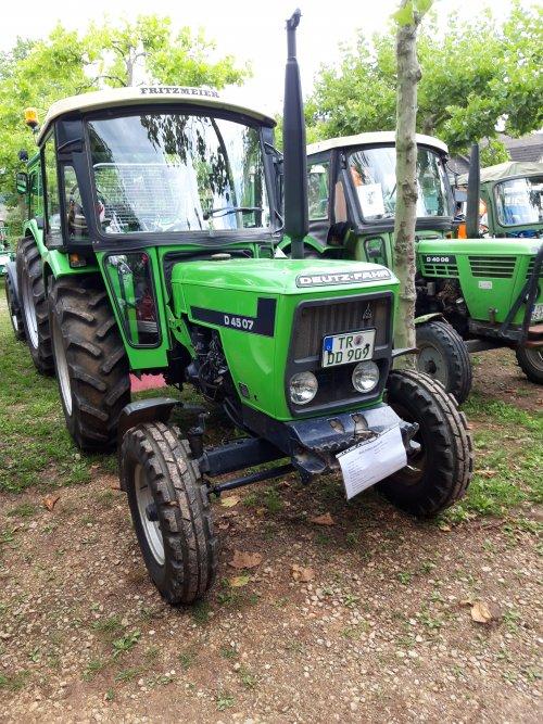 Foto van een Deutz D4507. Geplaatst door holderb51 op 13-09-2019 om 21:53:19, op TractorFan.nl - de nummer 1 tractor foto website.