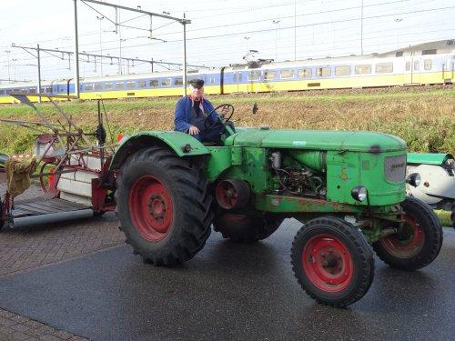 Foto van een Deutz F4L514 Bokbierdag Zutphen 13 oktober 2019.. Geplaatst door dickt op 21-10-2019 om 11:30:12, op TractorFan.nl - de nummer 1 tractor foto website.