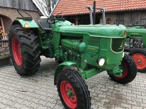 Foto van een Deutz D8005. Geplaatst door Wigger op 01-12-2019 om 20:16:06, op TractorFan.nl - de nummer 1 tractor foto website.