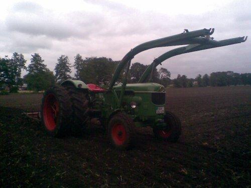 Foto van een Deutz D5505 met Cultivator en dubbel lucht. Geplaatst door Deutz 6006A op 07-01-2020 om 14:48:45, met 2 reacties.