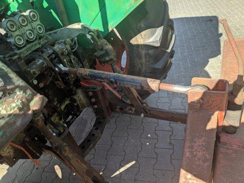 Foto van een Deutz Onderdelen. Paar nieuwe kogels gelast aan een oude orginele deutz topstang, gelijk maar even proberen.
