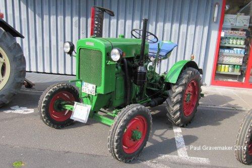 Foto van een Deutz F1M414. Geplaatst door Paul Gravemaker op 17-12-2020 om 16:12:32, op TractorFan.nl - de nummer 1 tractor foto website.