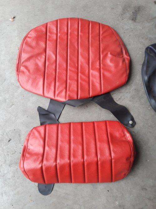 Foto van een Deutz spanhoes voor originele stoel. Denk Intrac of 06. Geplaatst door RPCounty op 09-03-2021 om 13:50:03, op TractorFan.nl - de nummer 1 tractor foto website.