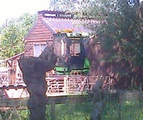 Foto van een Deutz Intrac 2004 Onderweg gespot. Geplaatst door draaipiet op 08-06-2021 om 19:12:22, met 5 reacties.