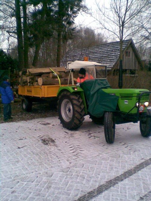 2 wagen hout halen zatredag. Geplaatst door Rick Stroet op 07-01-2009 om 20:47:43, met 3 reacties.