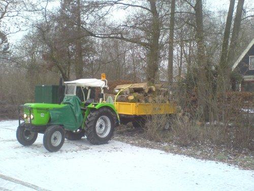 zaterdag een mooi wagen hout gehaalt in aalten. Geplaatst door Rick Stroet op 07-01-2009 om 20:55:39, met 3 reacties.