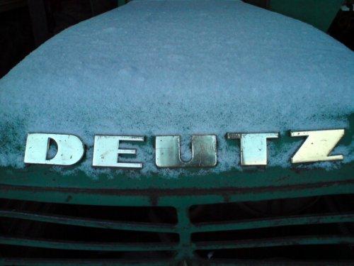 Foto van een Deutz D6006. Geplaatst door harmjovink op 25-12-2009 om 11:43:57, met 10 reacties.