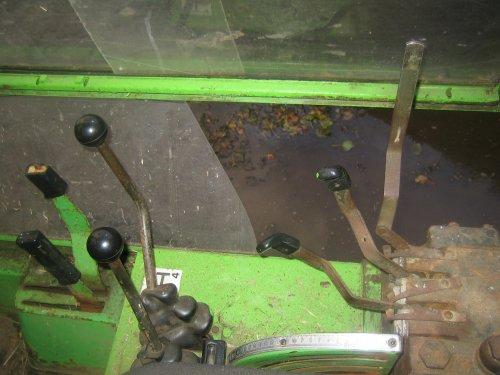 Foto van een Deutz INtrac 2003, onze nieuwste aanwinst thuis aangekomen.. Geplaatst door jappetje op 20-10-2010 om 23:33:27, op TractorFan.nl - de nummer 1 tractor foto website.