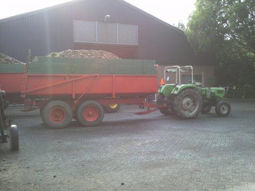 Foto van een Deutz Onbekend, bezig met aardappels rooien.. Geplaatst door Valtra-fan Teun op 23-08-2011 om 21:05:21, met 11 reacties.