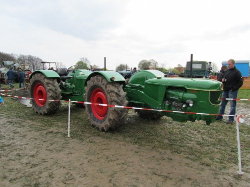 Foto van een Deutz D5505 Tandem, bezig met ploegen / eggen.deze was zondag aan het ploegen in Syke-clues Duitsland PRACHTIG !!!!