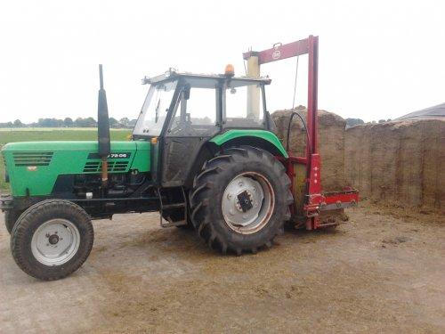 Tijdelijke voercombie. Geplaatst door MF- 4255 op 23-05-2012 om 22:13:35, op TractorFan.nl - de nummer 1 tractor foto website.