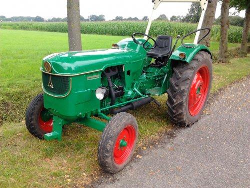 Foto van een Deutz D4505, bezig met poseren.. Geplaatst door jorghofste op 28-07-2012 om 16:57:15, op TractorFan.nl - de nummer 1 tractor foto website.