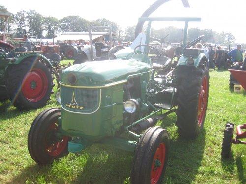 Foto van een Deutz D4505.. Geplaatst door jordi 1455 op 29-09-2012 om 11:40:02, op TractorFan.nl - de nummer 1 tractor foto website.