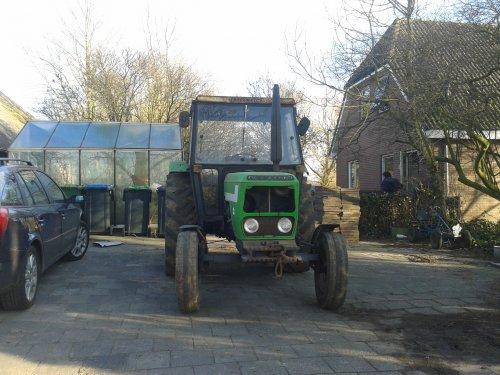 Foto van een Deutz D6007, bezig met dumperen.. Geplaatst door gerjan600 op 02-04-2013 om 21:27:14, op TractorFan.nl - de nummer 1 tractor foto website.