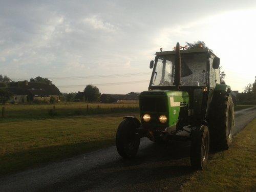 Foto van een Deutz D6007, bezig met poseren. Eindelijk weer een paar spatjes regen :D. Geplaatst door gerjan600 op 06-09-2013 om 18:17:27, op TractorFan.nl - de nummer 1 tractor foto website.
